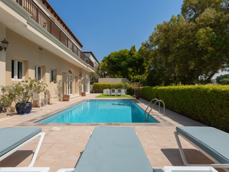 Unavailable Villa in Olive Point, Jumeirah Golf Estates