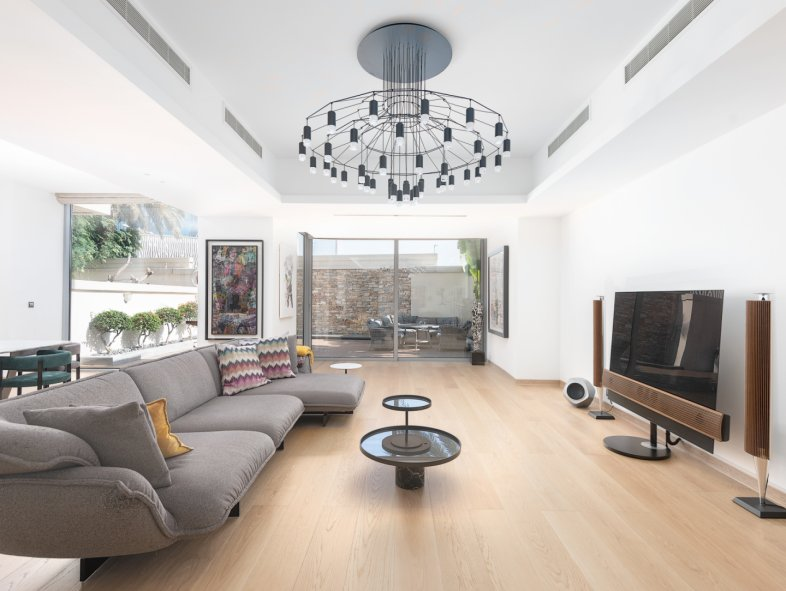 Unavailable Villa in Six Towers, Dubai Marina