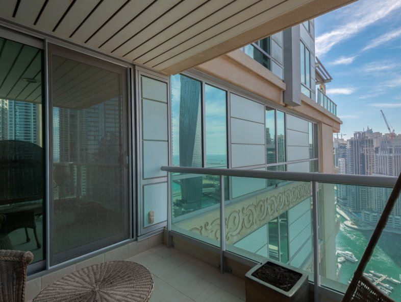 Apartment available for sale in Six Towers, Dubai Marina