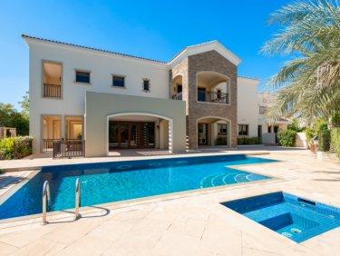 Fully upgraded, luxury villa in Jumeirah Golf Estates