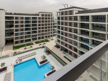 Exclusive 2 bed apartment facing Pool and Park