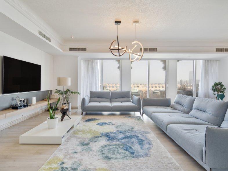 Unavailable Penthouse in Grandeur Residences, Palm Jumeirah