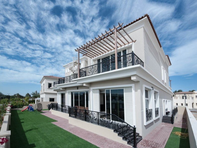 Villa available for sale in Wildflower, Jumeirah Golf Estates