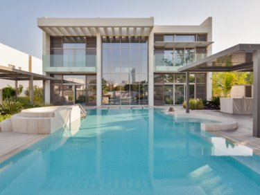 Bespoke 6 Bed Contemporary Villa