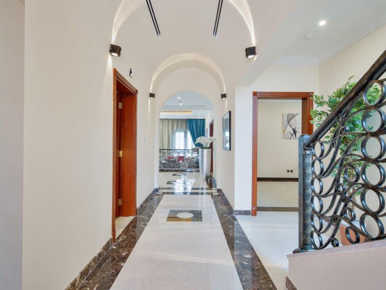 Unavailable Villa in Orange Lake, Jumeirah Golf Estates