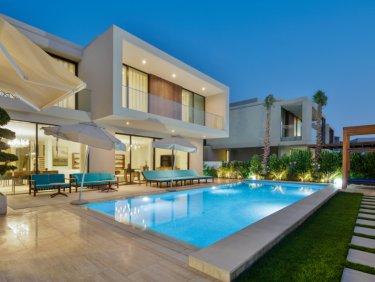 Italian Designed Luxury 6 Bedroom Villa