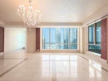 Large duplex penthouse in Dubai Marina