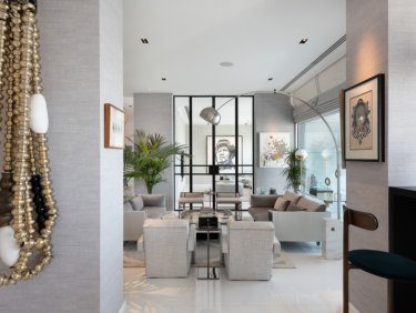 Designer luxury duplex apartment in DIFC