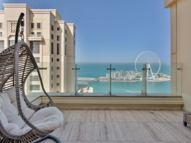 Upgraded, sea view penthouse apartment in JBR