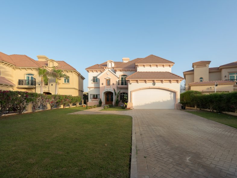 Villa available for sale in Mediterranean Clusters, Jumeirah Islands