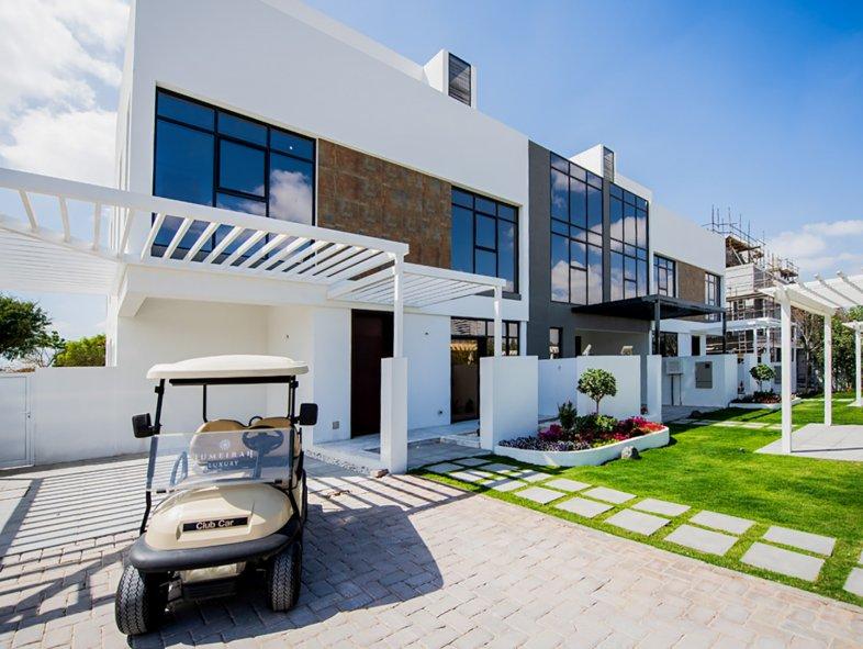 Villa available for sale in Jumeirah Luxury, Jumeirah Golf Estates