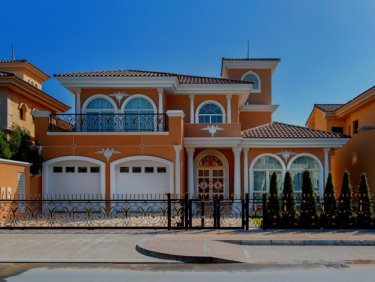 Classic Style Beachfront Villa with Extended land