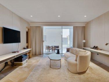 Stunning One Bedroom   FIVE