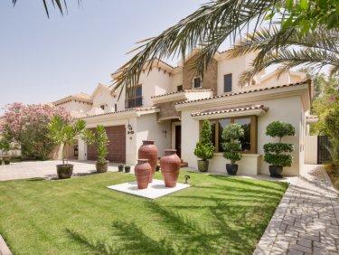 Golf Facing Villa in Jumeirah Golf Estates