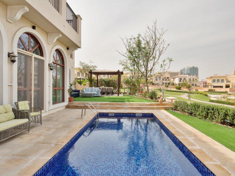 Villa available for sale in Orange Lake, Jumeirah Golf Estates