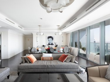 Serviced hotel penthouse in Downtown Dubai