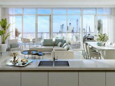 Corner beachfront apartment with marina view