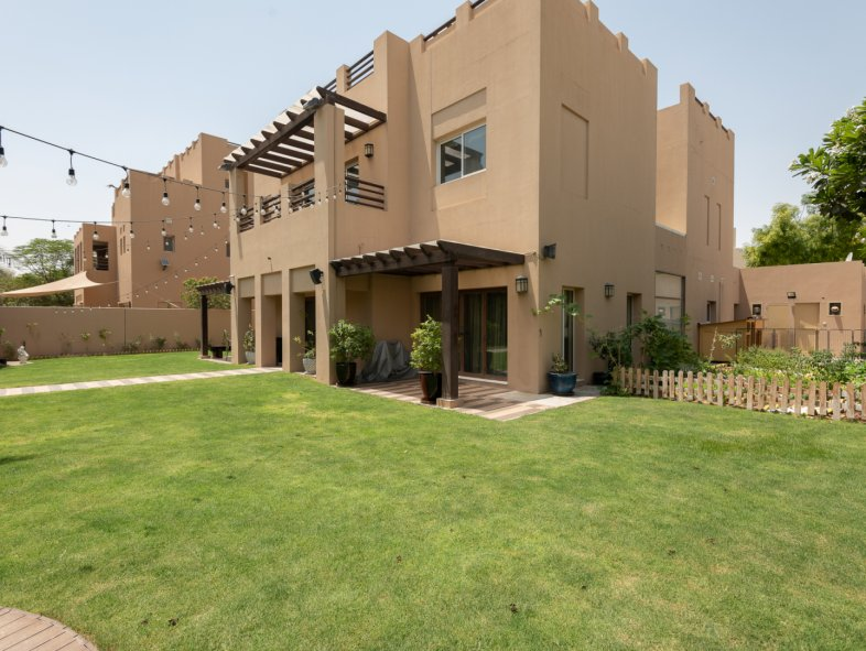 Villa available for sale in Hattan, Arabian Ranches