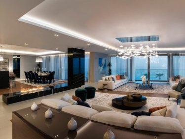 Beachside serviced hotel residence on Palm Jumeirah