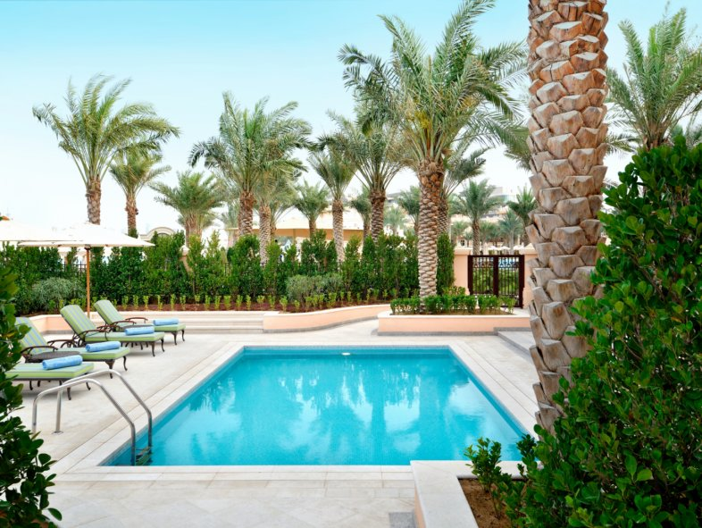 Villa available for sale in Emerald Palace Kempinski Hotel, Palm Jumeirah