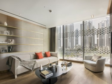 Serviced luxury apartment in iconic Downtown Dubai residence