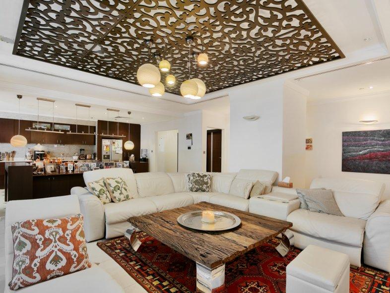 Penthouse available for sale in Marina Crown, Dubai Marina