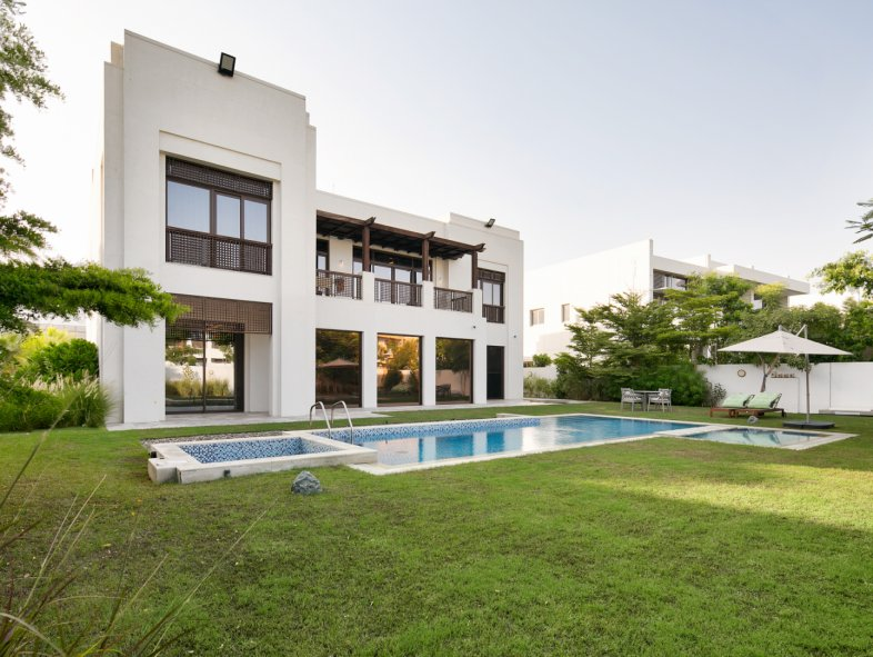 Villa available for sale in District One, Mohammed Bin Rashid City