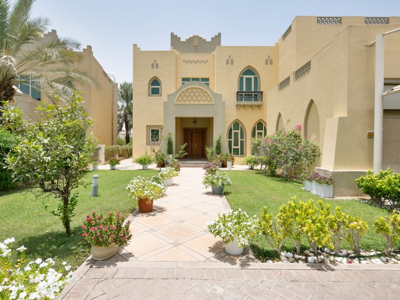 Villa available for sale in Oasis Clusters, Jumeirah Islands
