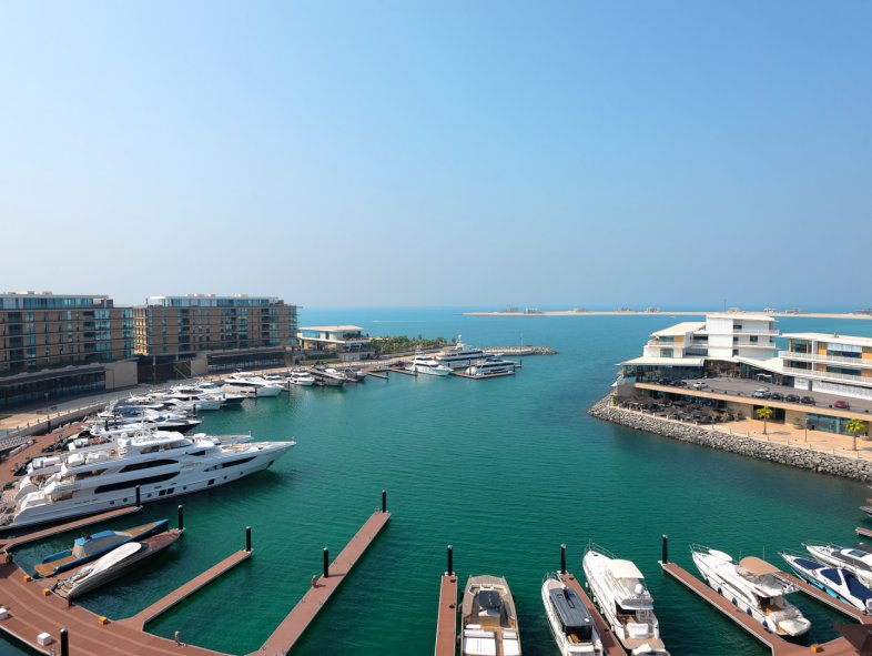 Apartment available for rent in Jumeira Bay, Jumeirah