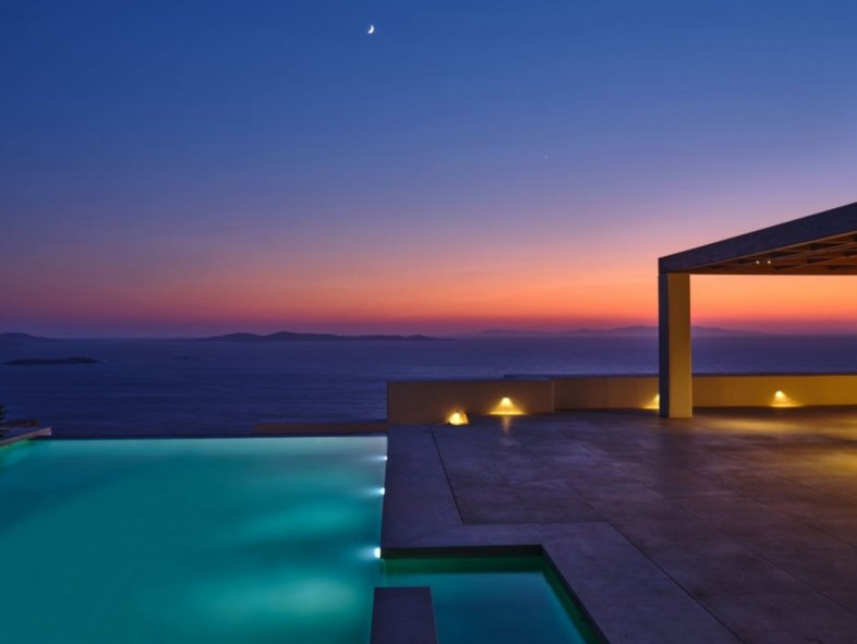 Villa available for sale in Mykonos