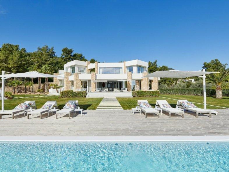 Villa available for sale in Ibiza