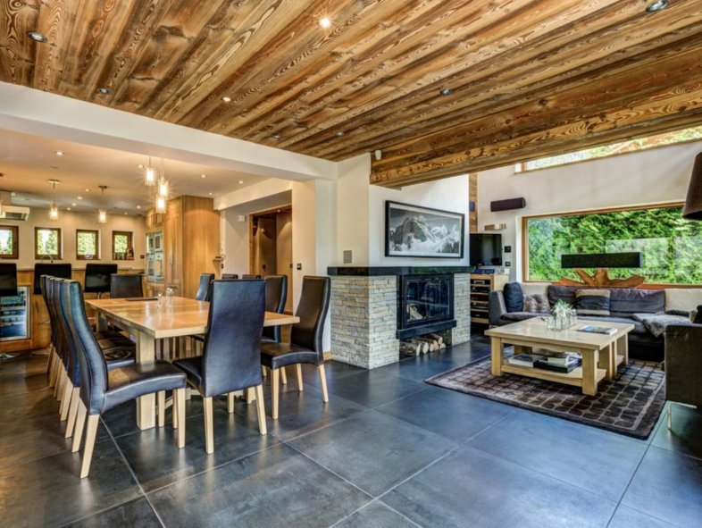 Villa available for sale in Mont Blanc