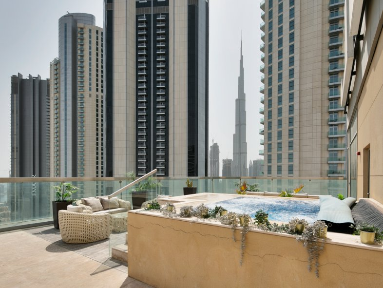 Apartment available for rent in The Signature, Downtown Dubai