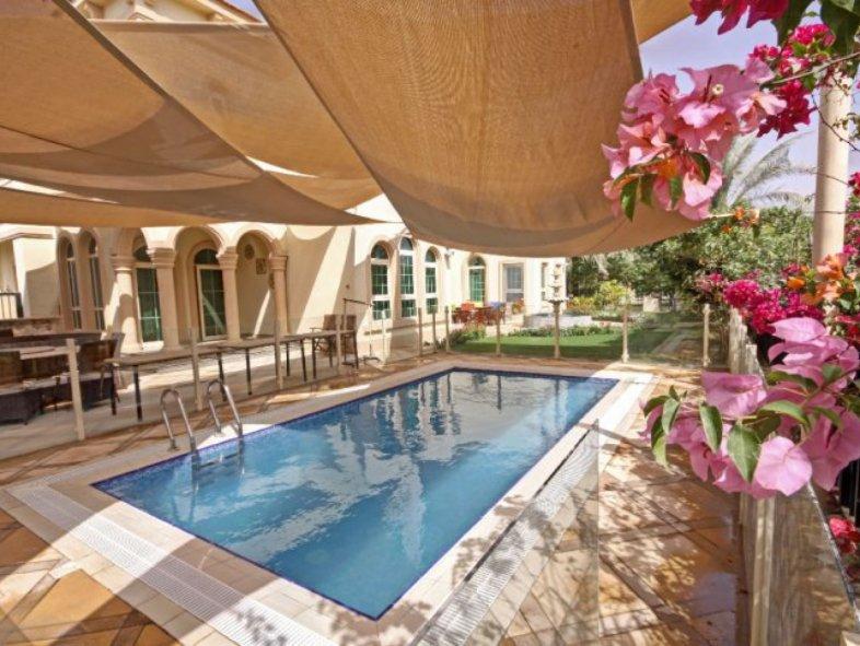 Unavailable Villa in Jumeirah Islands , Dubai